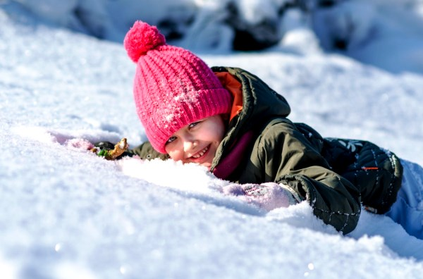 winter_the_little_girl_snow-1372796